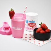Kids Shaker & Strawberry Smoothie